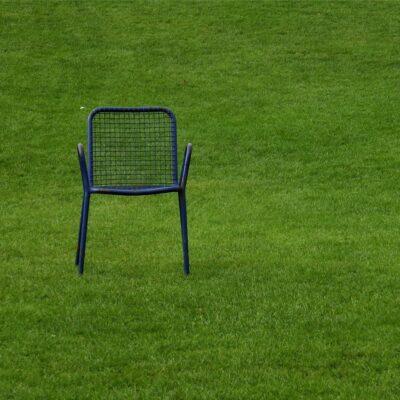 Kultur staatliche Flächen Stuhl auf Rasen Veranstaltung Kulturveranstaltung Sanne Kurz Grüne Bayern Landtag